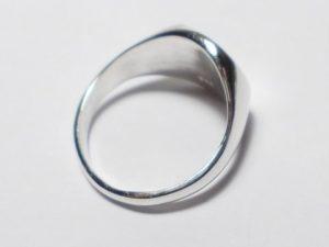 quale anello scegliere per il mignolo