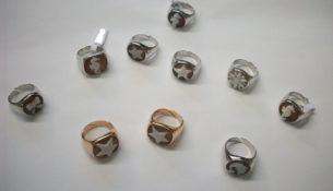 anello mignolo: consigli sulla scelta del modello