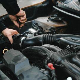cambiare olio auto